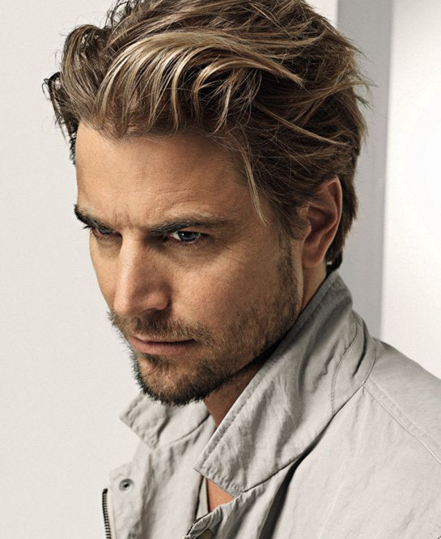 Фото мужских причесок для средних волос