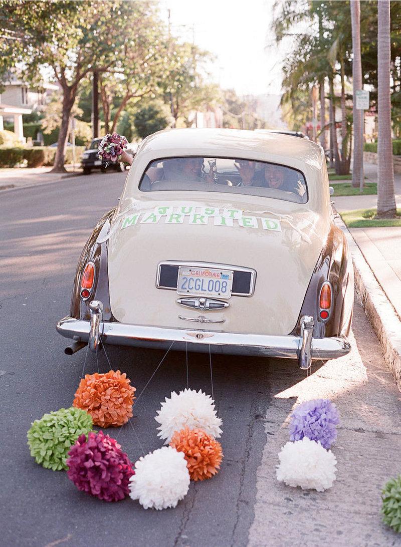 Необычные украшения свадебных машин фото