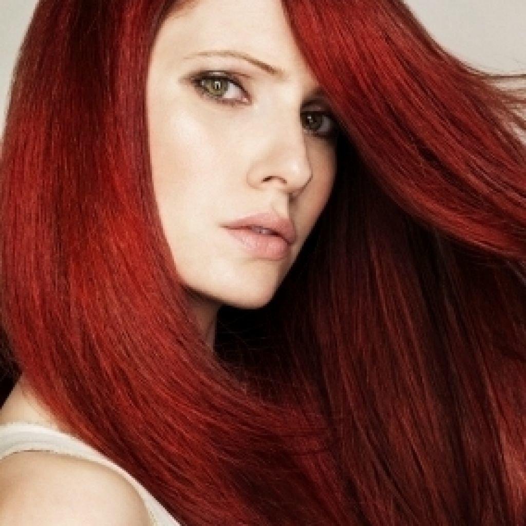 Оттенок красного дерева на волосах фото