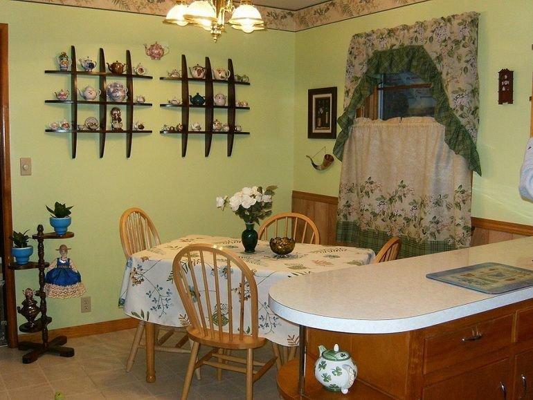 Идеи декорирования стен на кухне своими руками 63