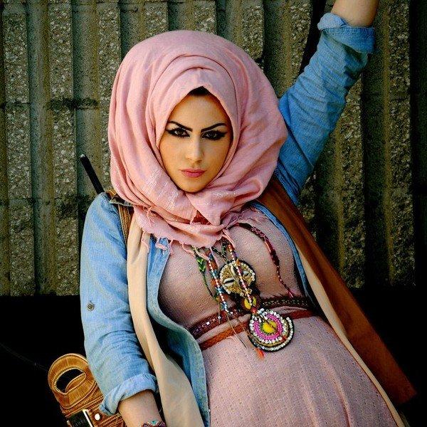 golie-v-hidzhabah-foto