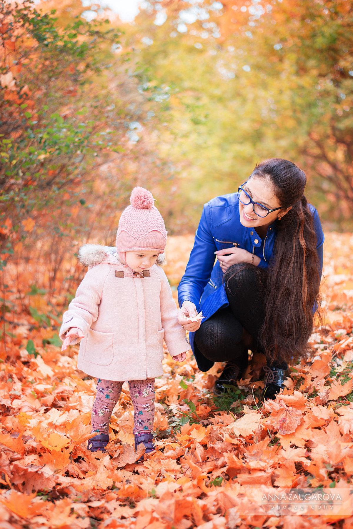 Фото идеи для фотосессии на природе мама и дочка осень