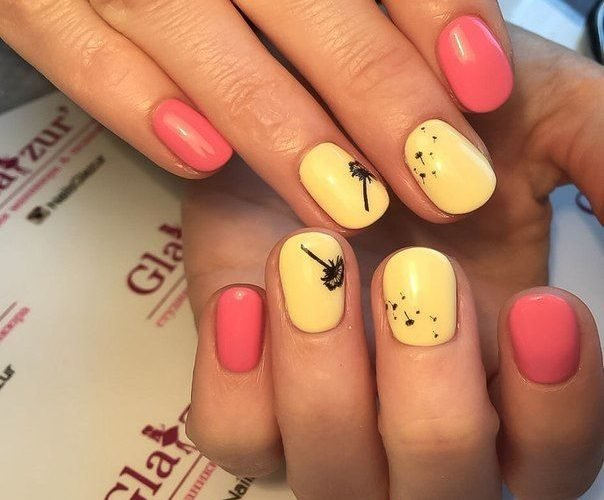 Модный маникюр желтый и розовый