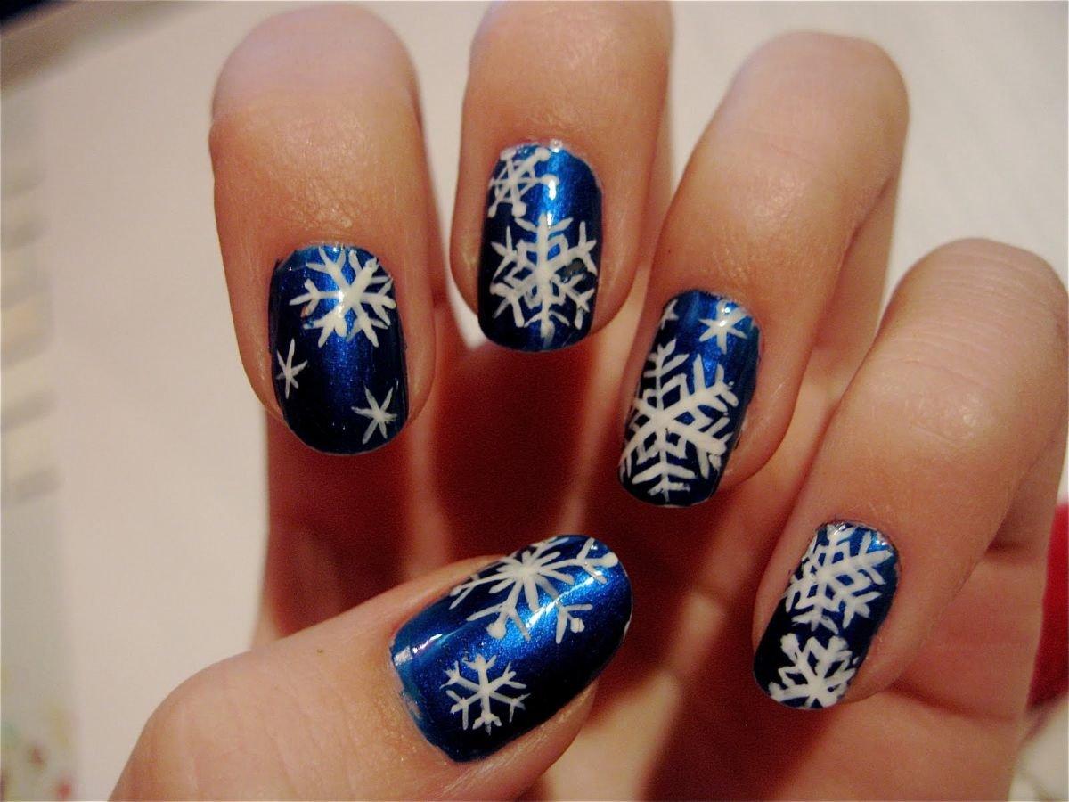 Зимний новогодний маникюр фото