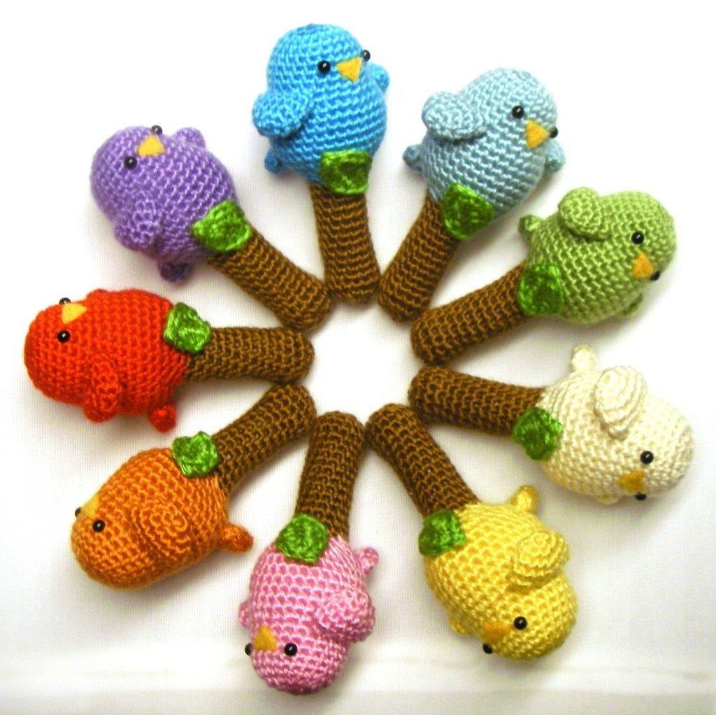Вязание игрушек для новорожденных крючком 39