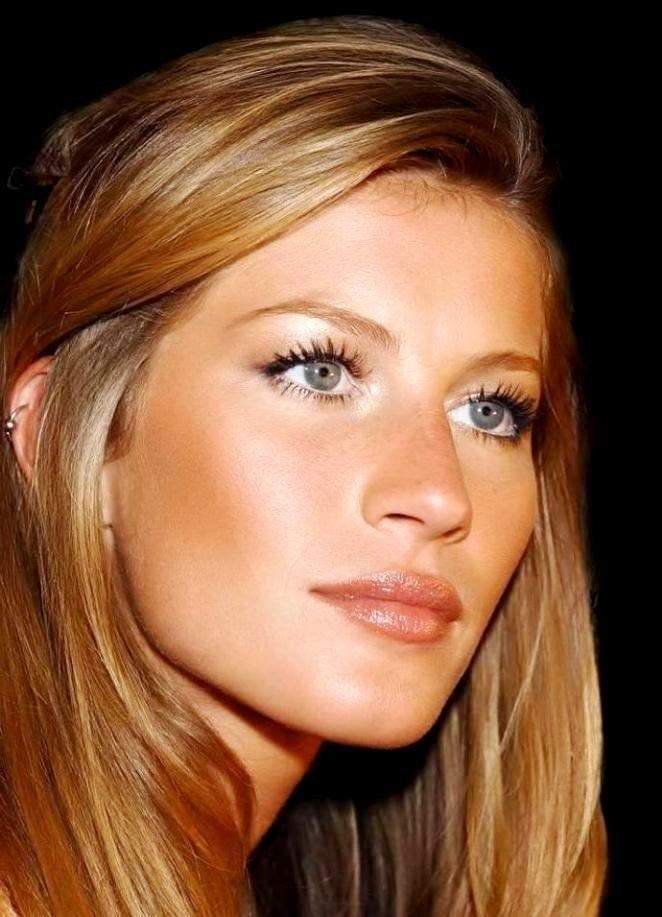 Медовый блонд цвет волос для зеленых глаз