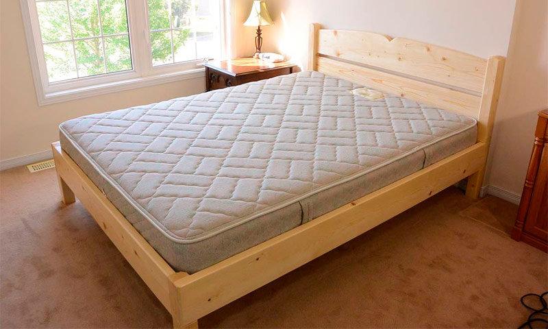 Двуспальная простая кровать своими руками
