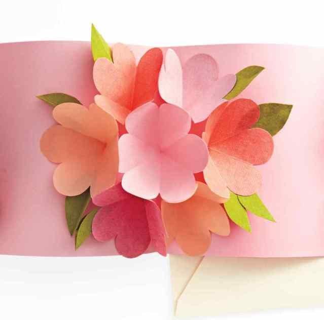 Объёмные цветы из бумаги для открытки своими руками 15