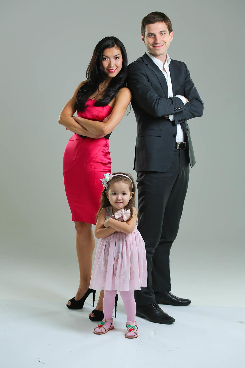 Семейное фото с ребенком 2 лет