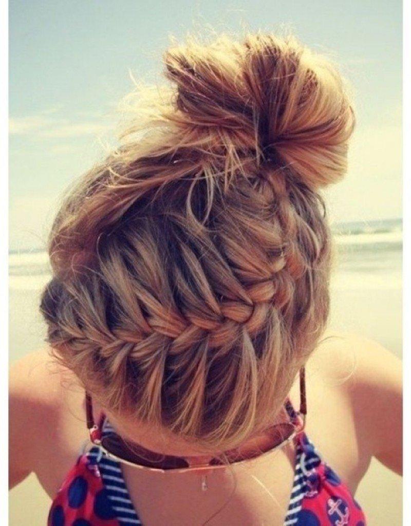 Прическа на пляж на средние волосы