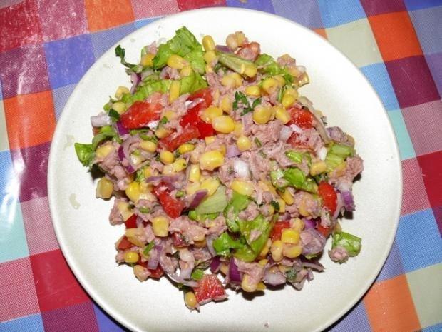 Рыбный салат с кукурузой и рисом рецепт с