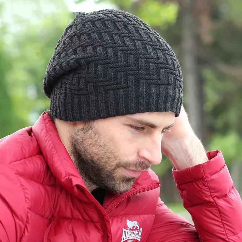 Вязание шапок спицами для мужчин модные модели 2018 21