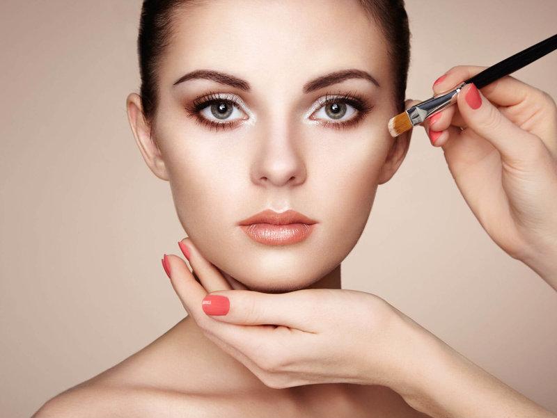 Неяркий макияж для себя