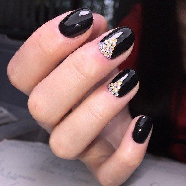 Ногти черные со стразами дизайн