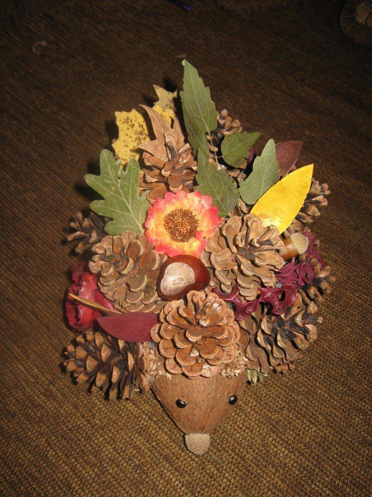 Поделка ёжик с листьями 51
