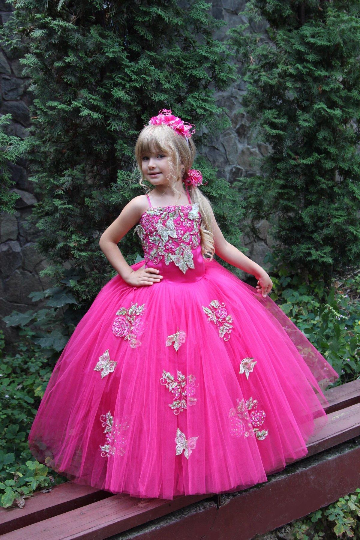 Как украсить бальное платье для девочки
