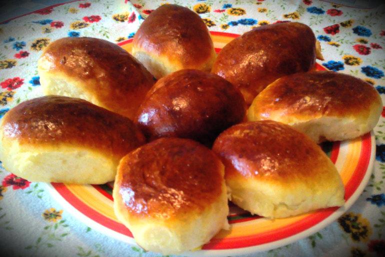 78Рецепт дрожжевых пирожков с вишней в духовке