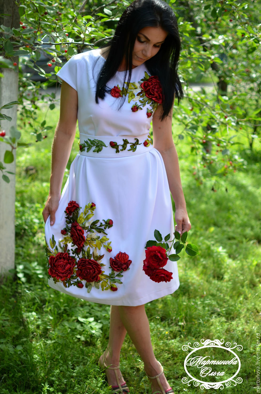 Фото платьев с вышивками