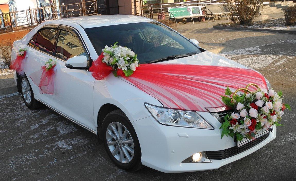 Оригинальное украшения машин для свадьбы