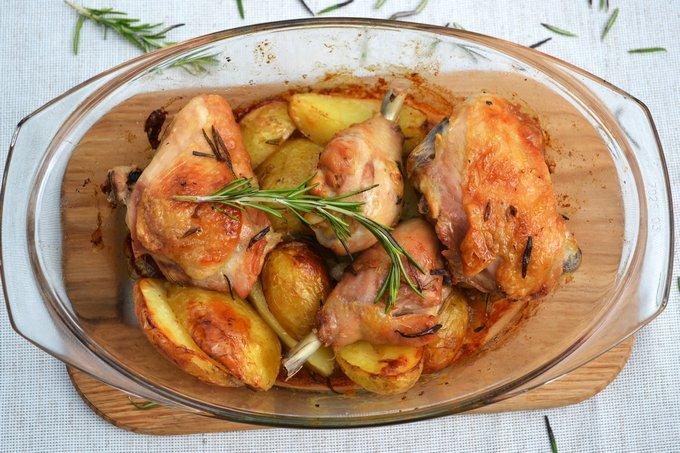 Курица с картошкой в духовке пошаговые