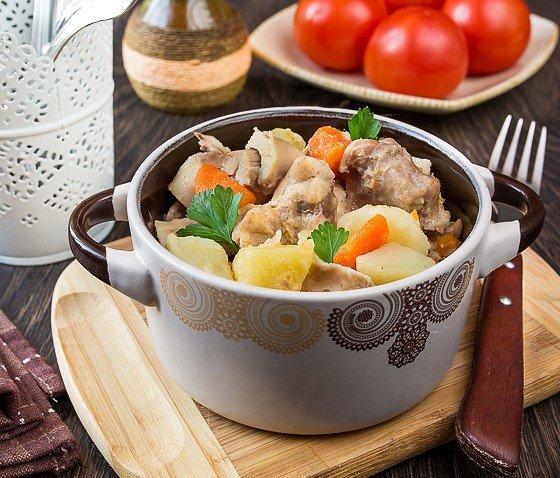 Картошка с кроликом в горшочках рецепт
