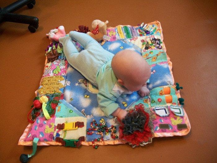 Развивающие игрушки своими руками для детей до года 40
