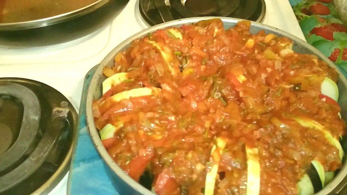 Кабачки тушеные с помидорами в духовке рецепт пошаговый