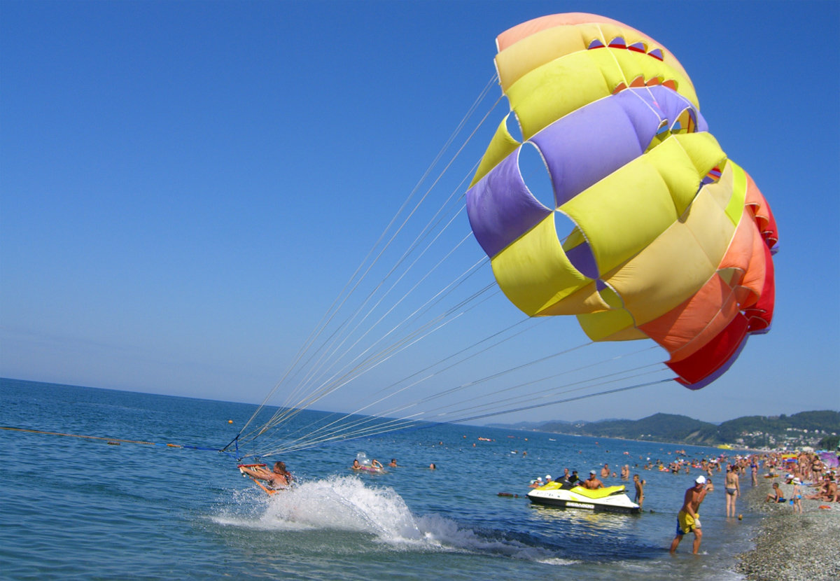Развлечения на пляжах Геленджика
