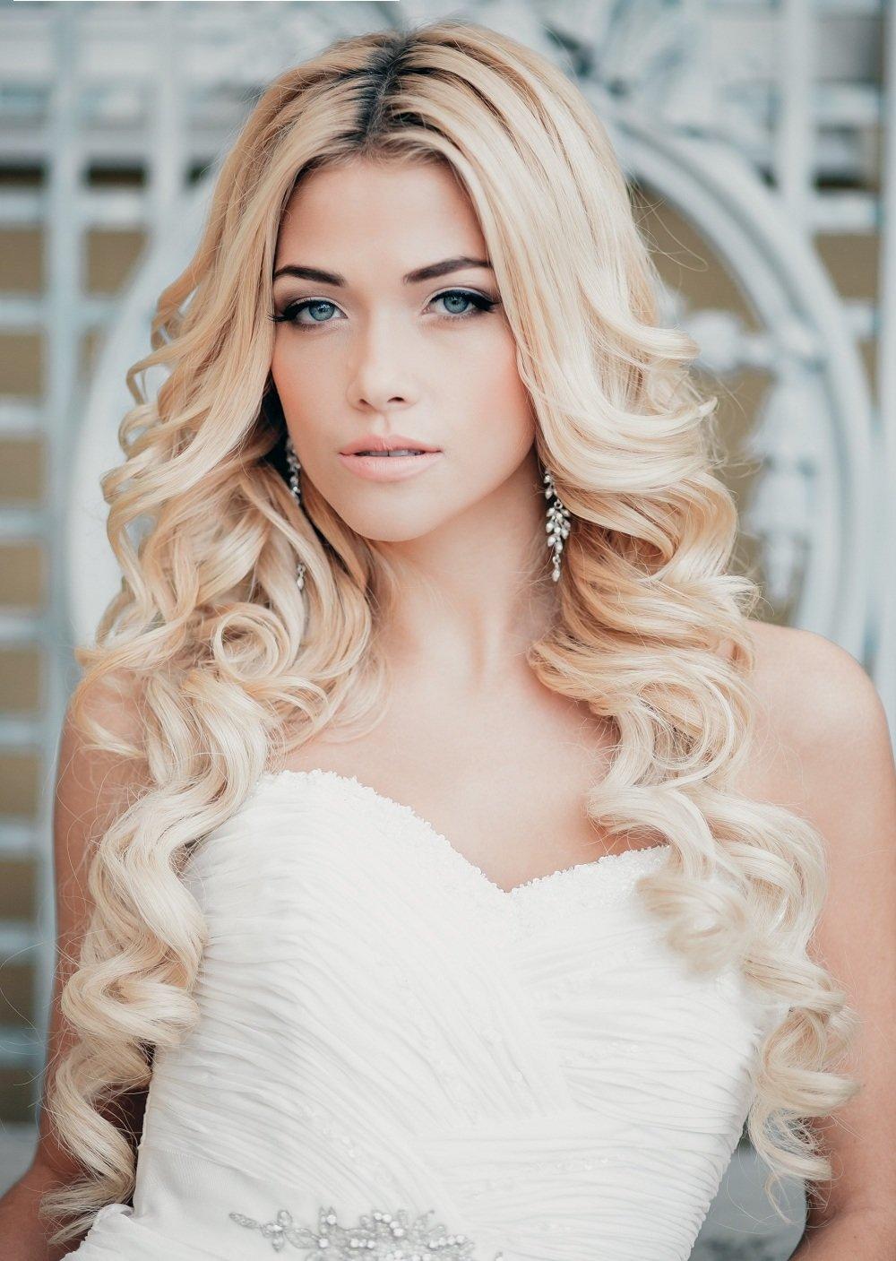Прически блондинкам локоны