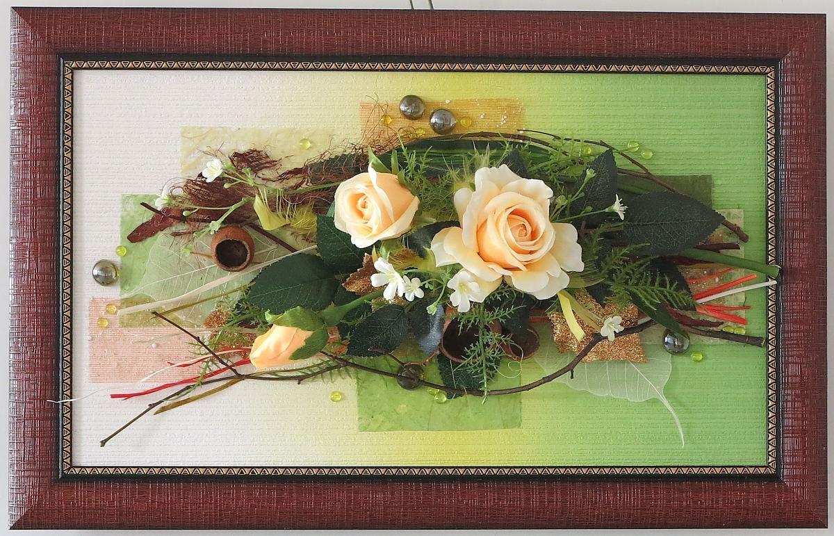 Поделка из цветов в рамке 43