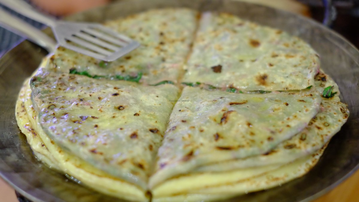 Хычины рецепт фото с сыром и зеленью