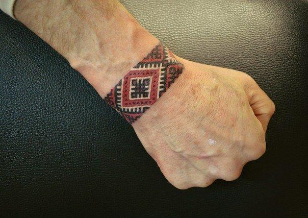 Славянский орнамент тату