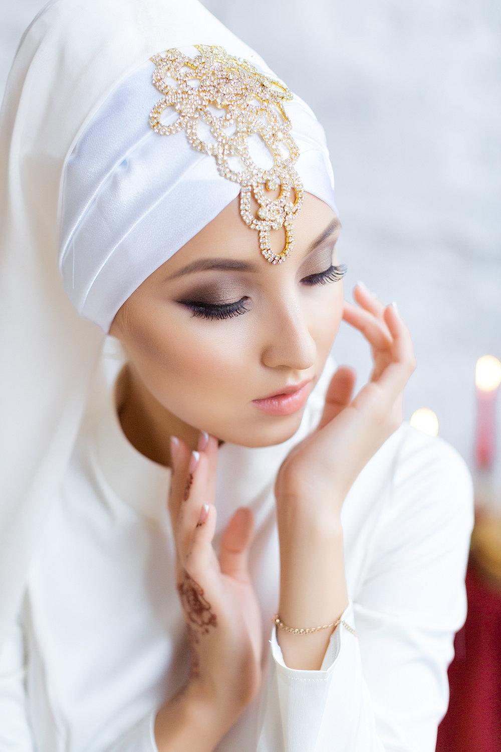 Фото с красивым макияжем для мусульманок