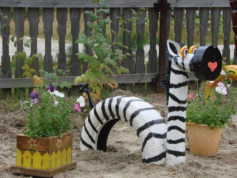 Как сделать садовые украшения своими руками 70