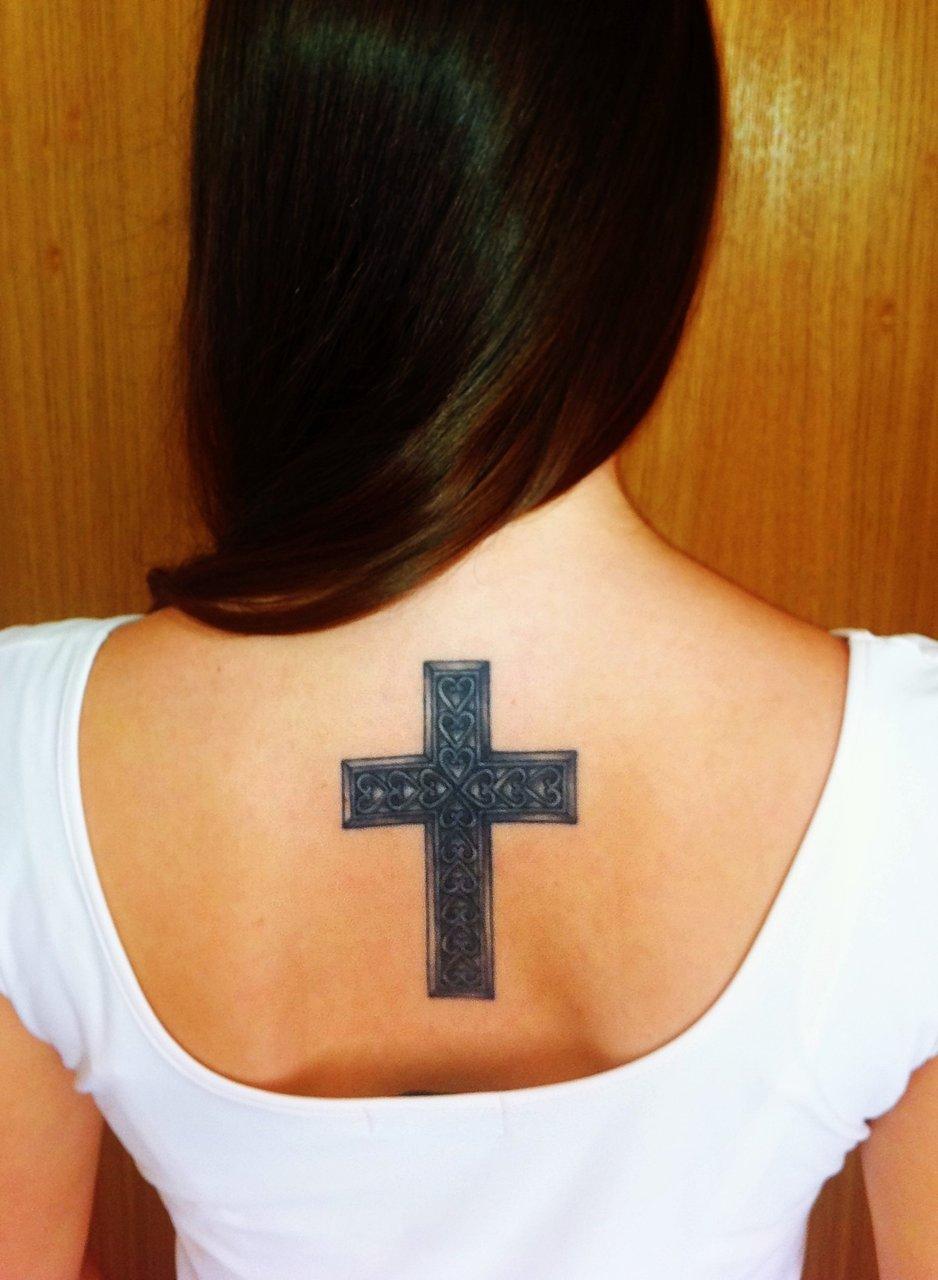Тату мужские фото крест на спине у