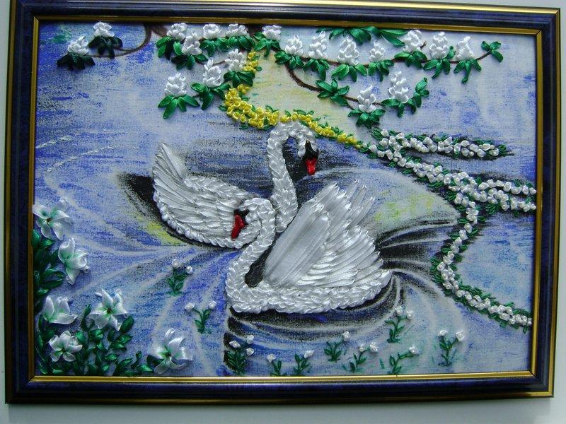Панно с лебедями