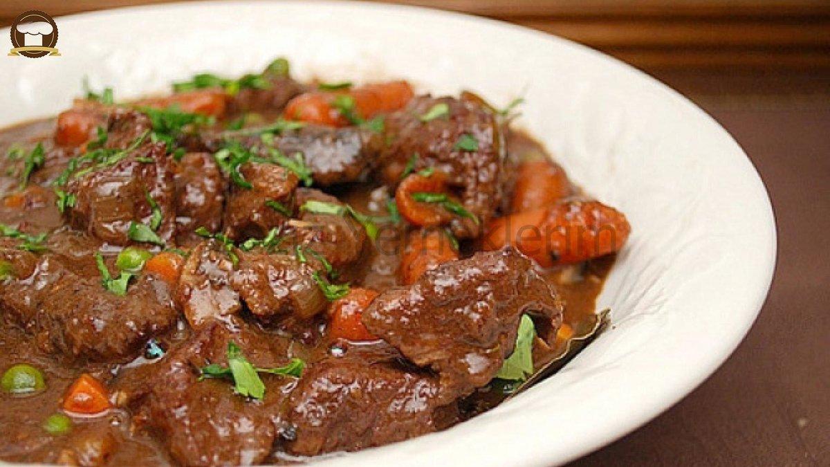Гуляш из говядины с подливкой рецепт в мультиварке с фото пошагово