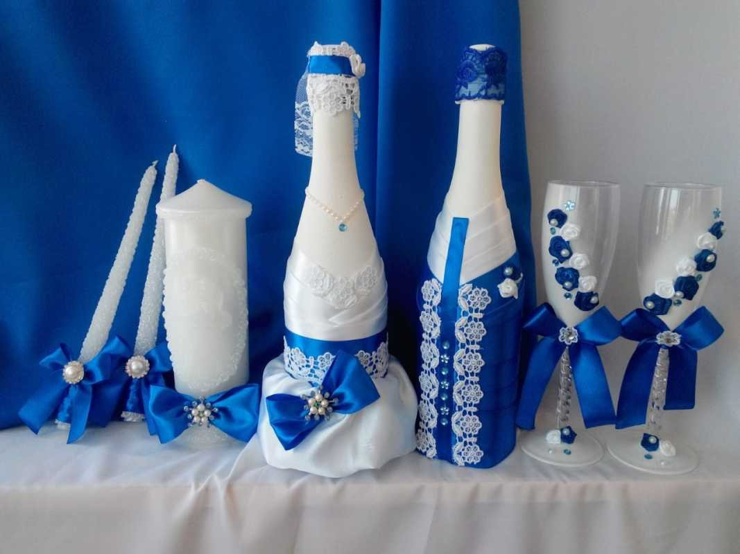 Как украсить лентой бутылку шампанского на свадьбу  920