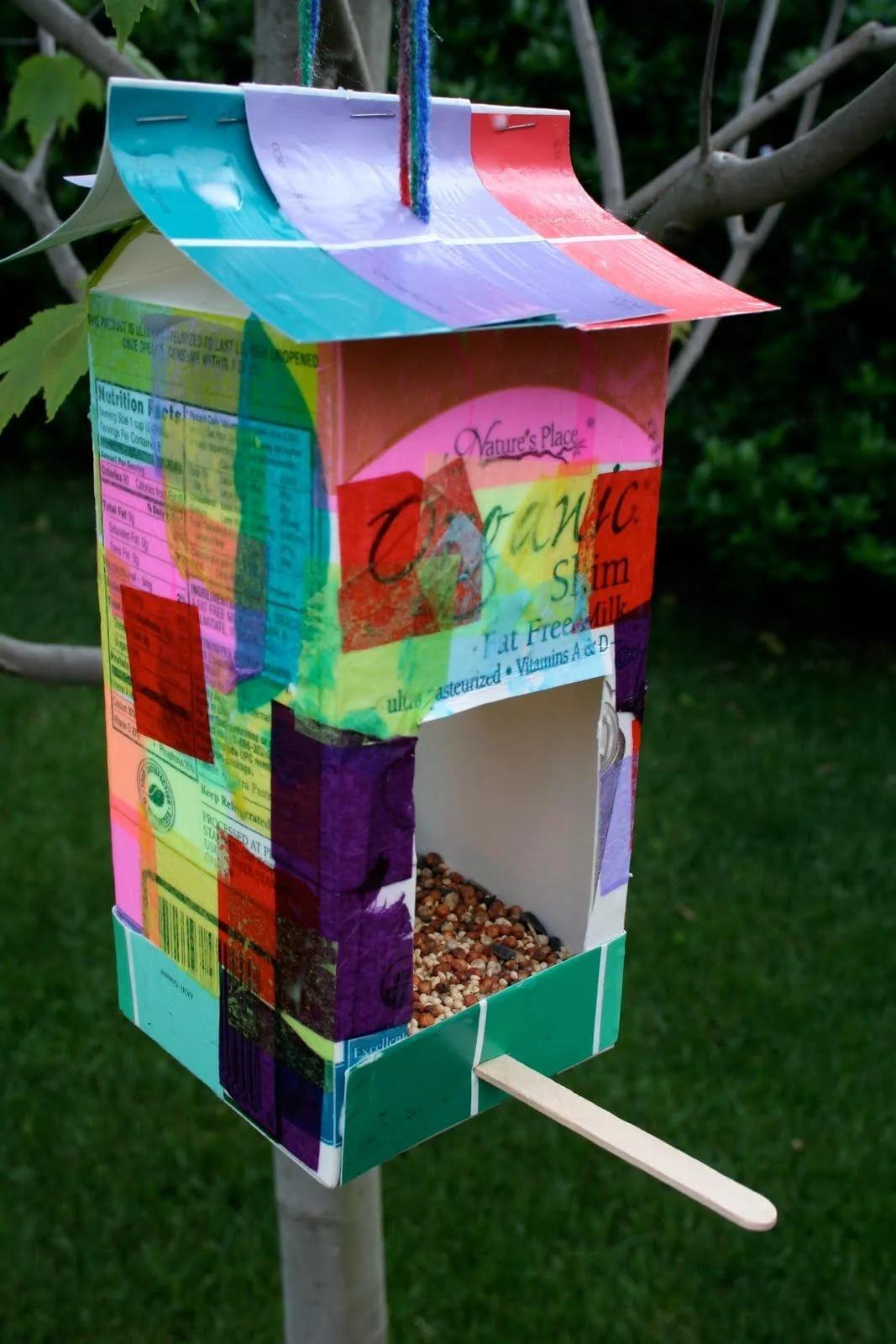 Кормушки для птиц своими руками из коробки под молока