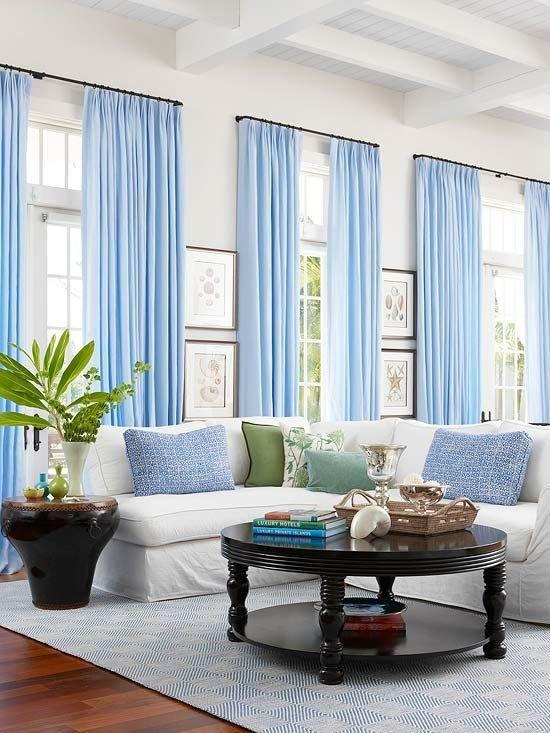 Нежно голубые шторы в интерьере фото