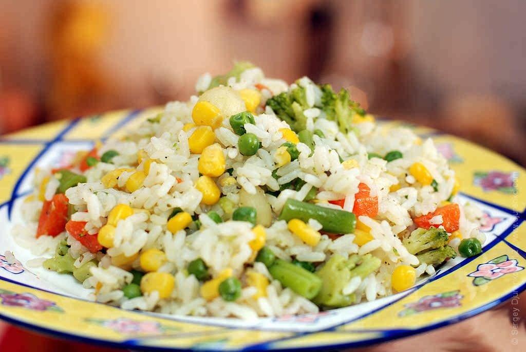 Как сделать рис с овощной смесью
