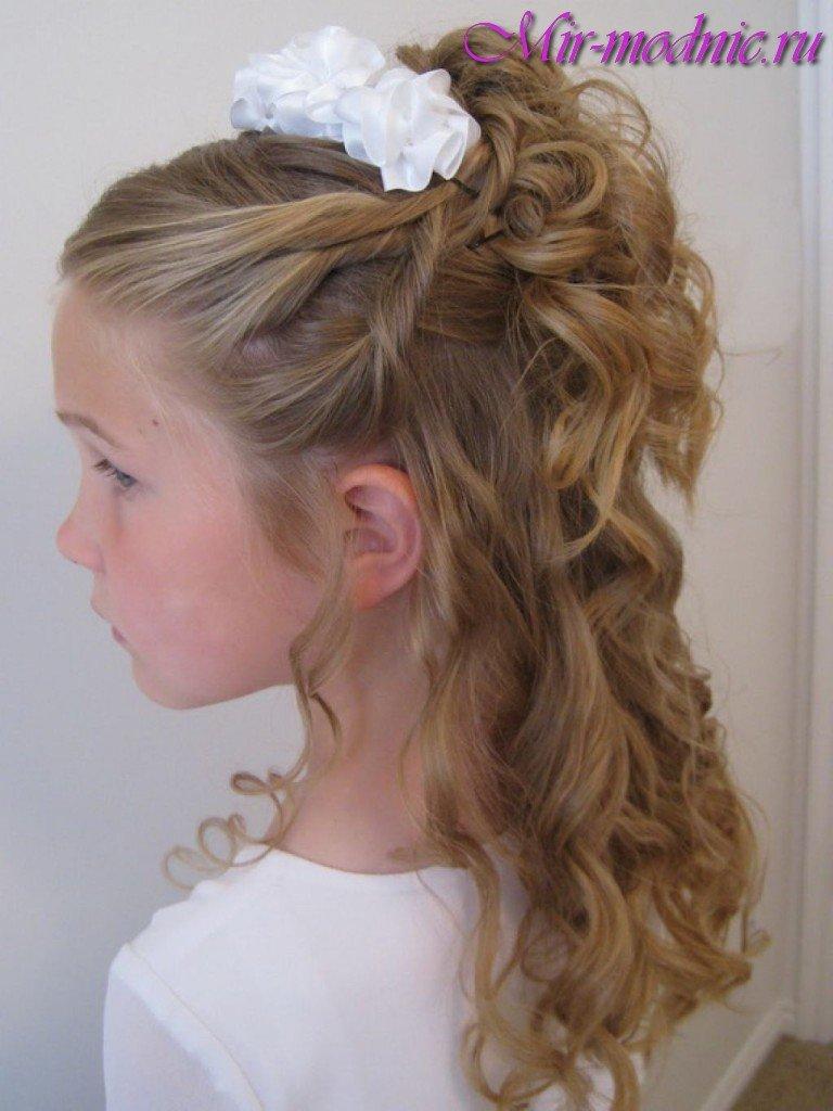 Прическа с распущенными волосами на праздник