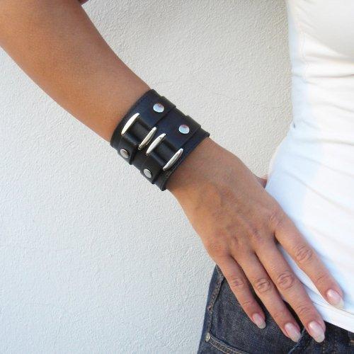 Как сделать чтобы кожаный браслет был мягкий
