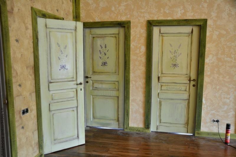 Деревянная старая дверь обновить своими руками 4