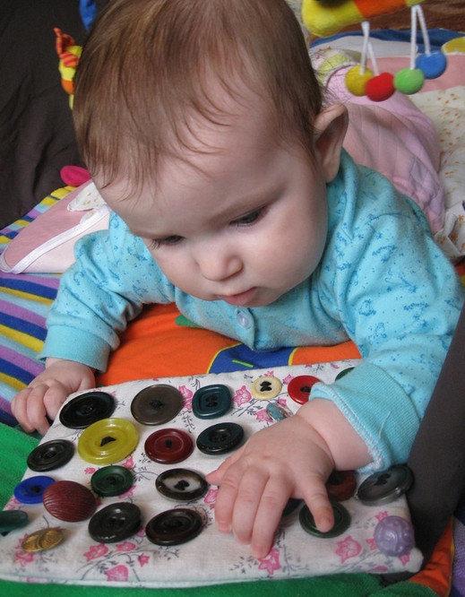 развивающие игрушки своими руками год