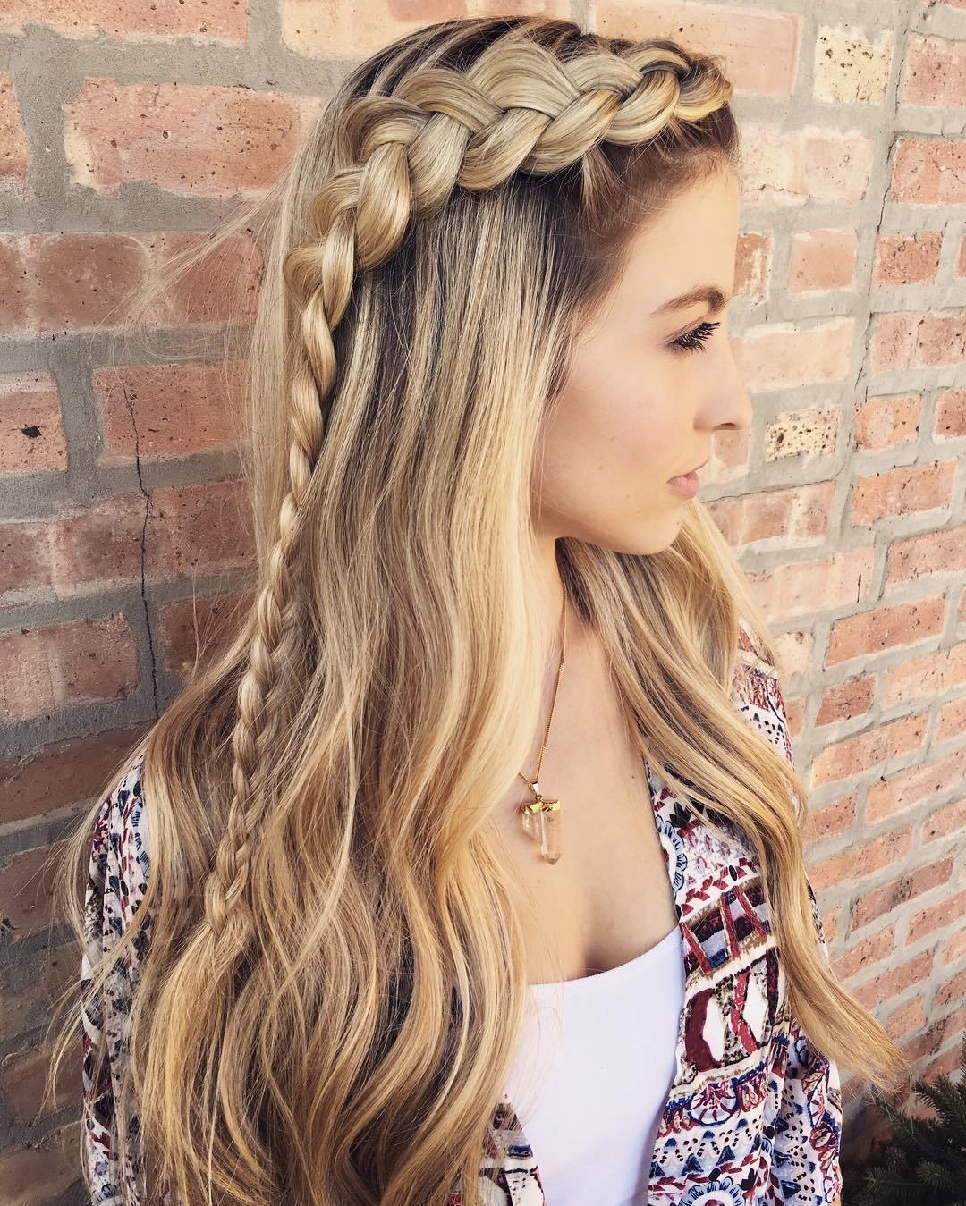 Обычные прически на длинные волосы фото