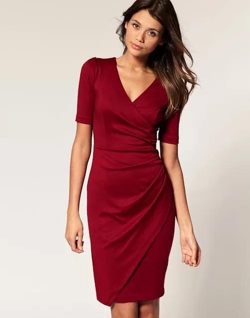 Модели и платьев с запахом