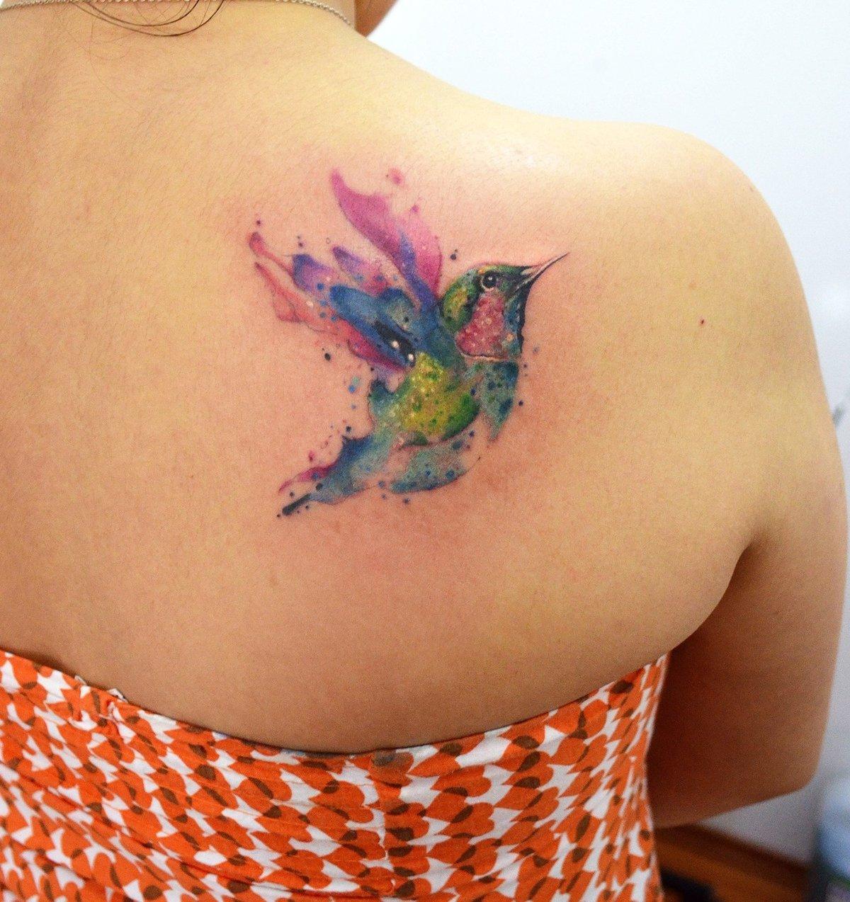 Тату для девушек фото колибри