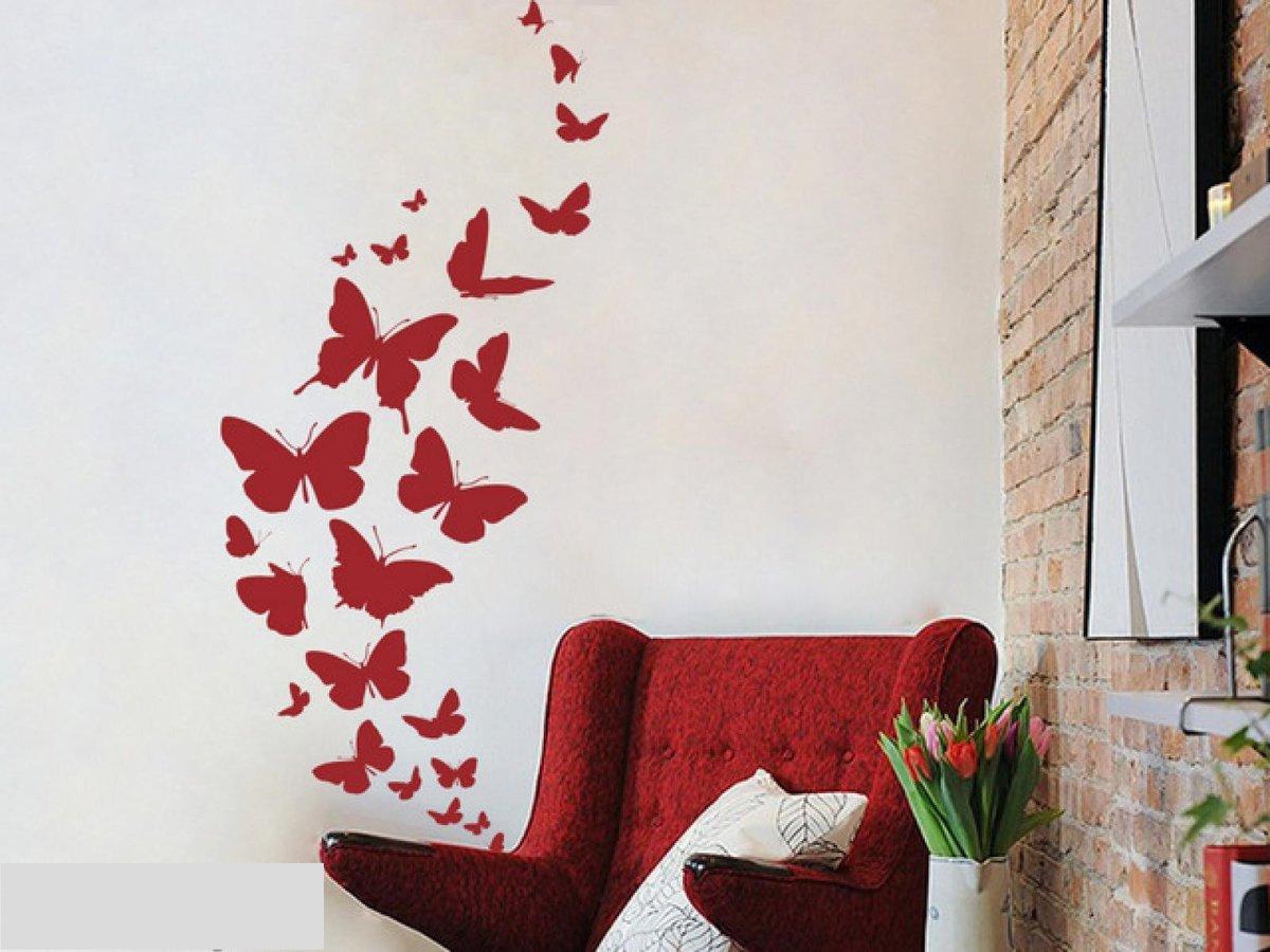 Бабочки как украшение стены