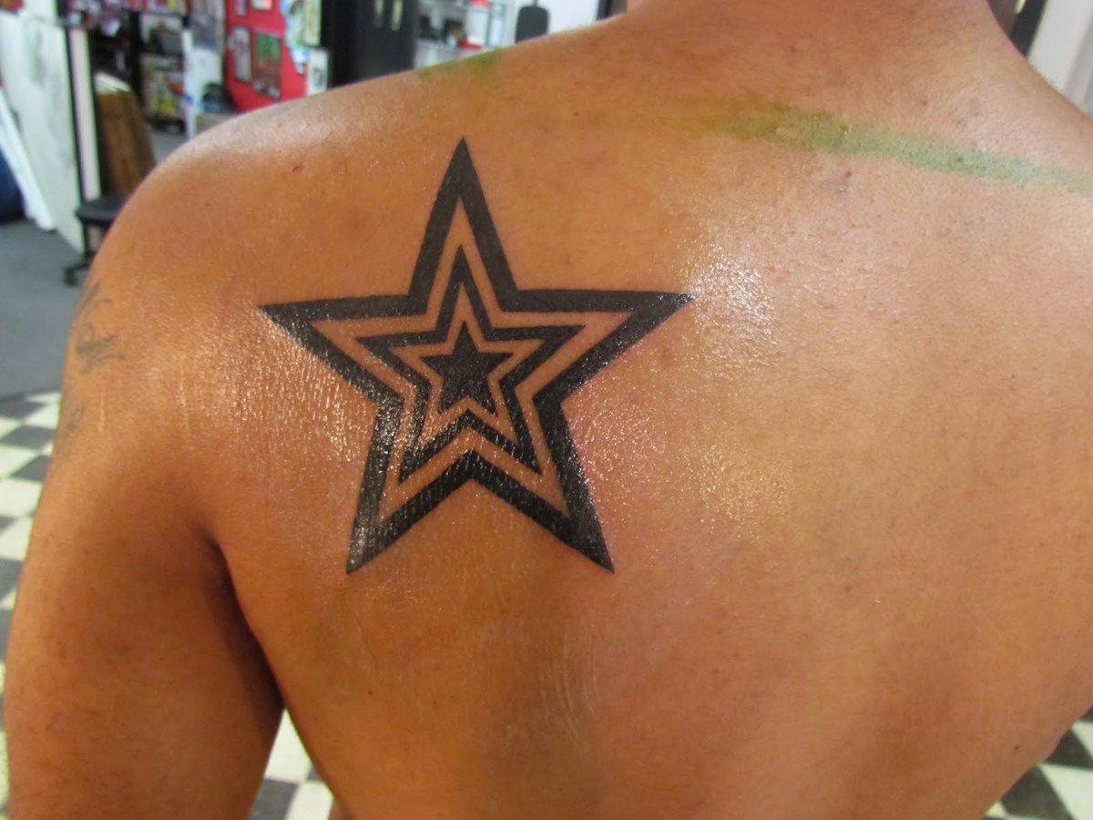 Татуировка в виде звезды фото